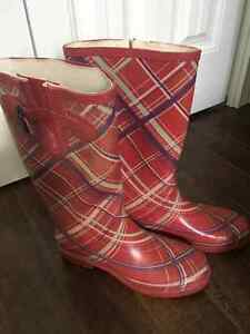 Ladies Pink Rubber Boots Size 9