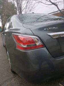$$$CASH BONUS $$$ - 2015 Nissan Altima 2.5 SL w/ Tech Package