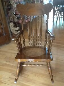 Antique Rocking Chair Kitchener / Waterloo Kitchener Area image 1