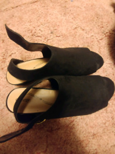 Size 10 shoes available for $20. Brand new.
