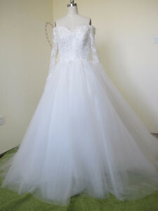 Elegant Ball Gown Tulle&Satin Strapless Sweetheart Neckline Long