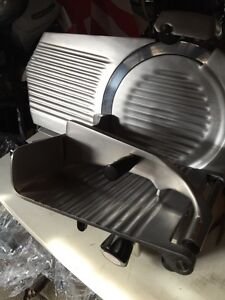 Meat or cheese slicer