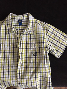 Osh Kosh Size 7 boys short sleeved dress shirt