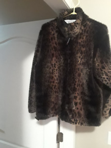 FAUX FUR COAT SIZE SMALL BROWN/BLACK