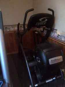 Cybex 600A Arc Trainer - Commercial