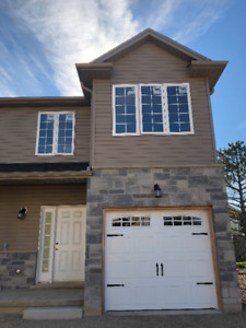 BRAND NEW NEVER LIVED IN 3 BEDROOM, 3.5 BATHROOM HOUSE
