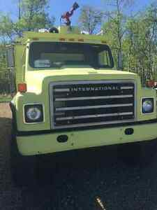 International 4x4 fire truck works good
