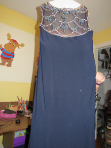 Women's Formal Dress ( Only wore once)