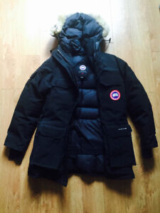 cb4b9100cfc Canada Goose Small Women Parka | Kijiji in Ontario. - Buy, Sell ...