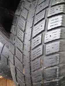 Set Of 4 Hankook Winter tires 235/70/16