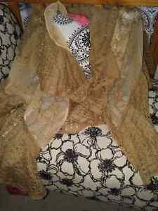 Betsey Johnson Scarfs, shawls, and capes. Cambridge Kitchener Area image 7