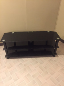 TV stand good for 30' tv all the way up to 60'