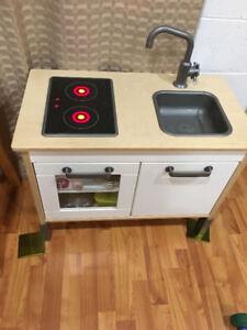 Ikea kitchen, ikea low craft table