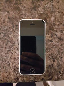 Iphone 5c (16gb-white) - locked to Rogers