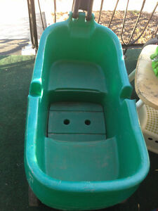 wagons for 2 kid 25$