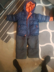 Old navy size 3 t
