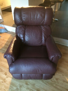 2 Recliner/Rocking Chairs Cambridge Kitchener Area image 1