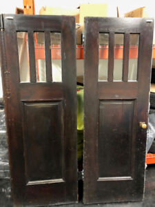 cerca 1924 - Antique double doors with glass