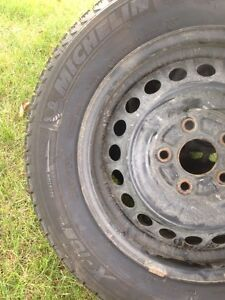 4 Michelin x-ice winter tires.  195 65 15. Peterborough Peterborough Area image 5