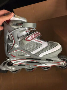 NEW Ladies Roller Blades (size 8) + Free NEW Burton Hoodie
