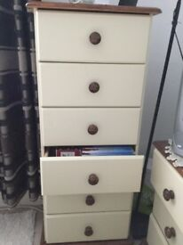 Six draw set of draws Forsale. excellent condition £65 mob 07779909005