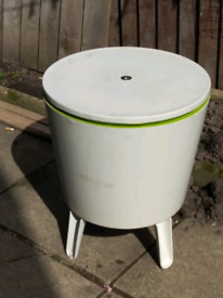 BBQ Drinks Holder And Table
