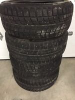 Bridgestone Blizzak Winter Tires DM-V1 255/50R20 80% Tread
