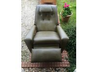 Niagara massage armchair, excellent condition. Delivery