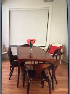 [Reduced Price!] Mid-century Modern Dining Table and Chairs