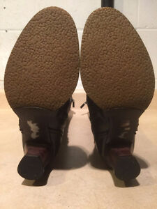 Women's Tall Leather Heels Size 6 London Ontario image 4