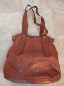 7 leather purses/bags (The SAK, Danier, Clarks...) and 5 wallets