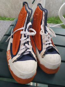 70' VINTAGE ACTON WINGS Broomball shoes US Men Size 10