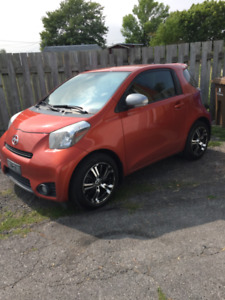 2012 scion IQ automatique serie 10  bijoux  80900 klm