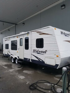 REDUCED! 2009 27' Keystone Hideout 27B bunkhouse