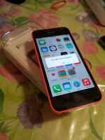 New IPHONE 5C 16gb FACTORY UNLOCKED WIND/MOBILICITY