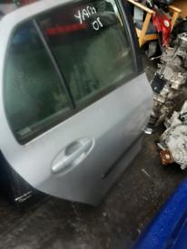 2008 Toyota Yaris door rear driver silver thfr