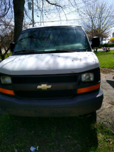 Chevrolet express cargo van    **Good MV**