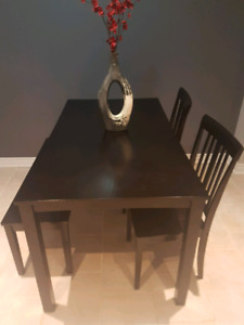 selling black dining table