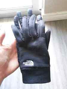 The North Face gloves 20$