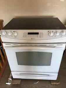GE Profile Electric Range for Sale Kitchener / Waterloo Kitchener Area image 3