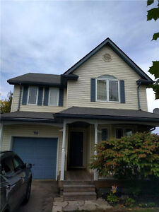 Detached 3 Bdrm. Family Home in Columbia Forest $1695 +