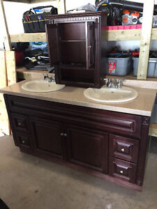 Bathroom Vanity & Vanity Top Cabinet