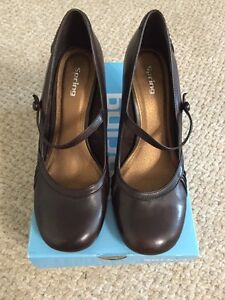 Size 38 (8) Brown Leather Women's Shoes Peterborough Peterborough Area image 2
