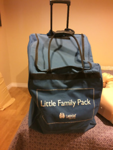 MANNEQUIN DE SECOURISME LAERDAL PACK LITTLE FAMILY AVEC VALISE
