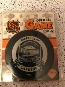Maple Leaf Gardens 1931-1999 Commemorative NHL Game Puck