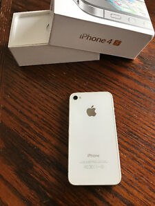 iPhone 4s 16gb - Bell