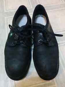 Work steel toe shoes / Souliers du travail embout d'acier