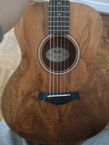 Taylor gs mini koa with pickup, acoustic electric guitar