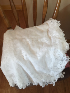 Lace Tablecloth Make an Offer