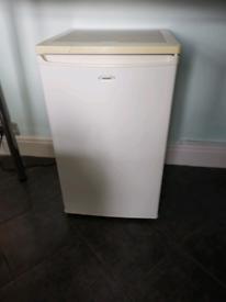Matsui undercounter freezer